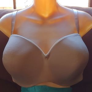 Lilyette nude and white bra with detachable straps